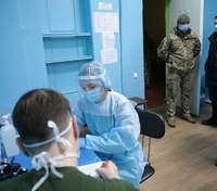 На Луганщине военных начали вакцинировать от COVID-19