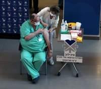Самый большой показатель в мире: в Израиле вакцинировали более половины взрослого населения