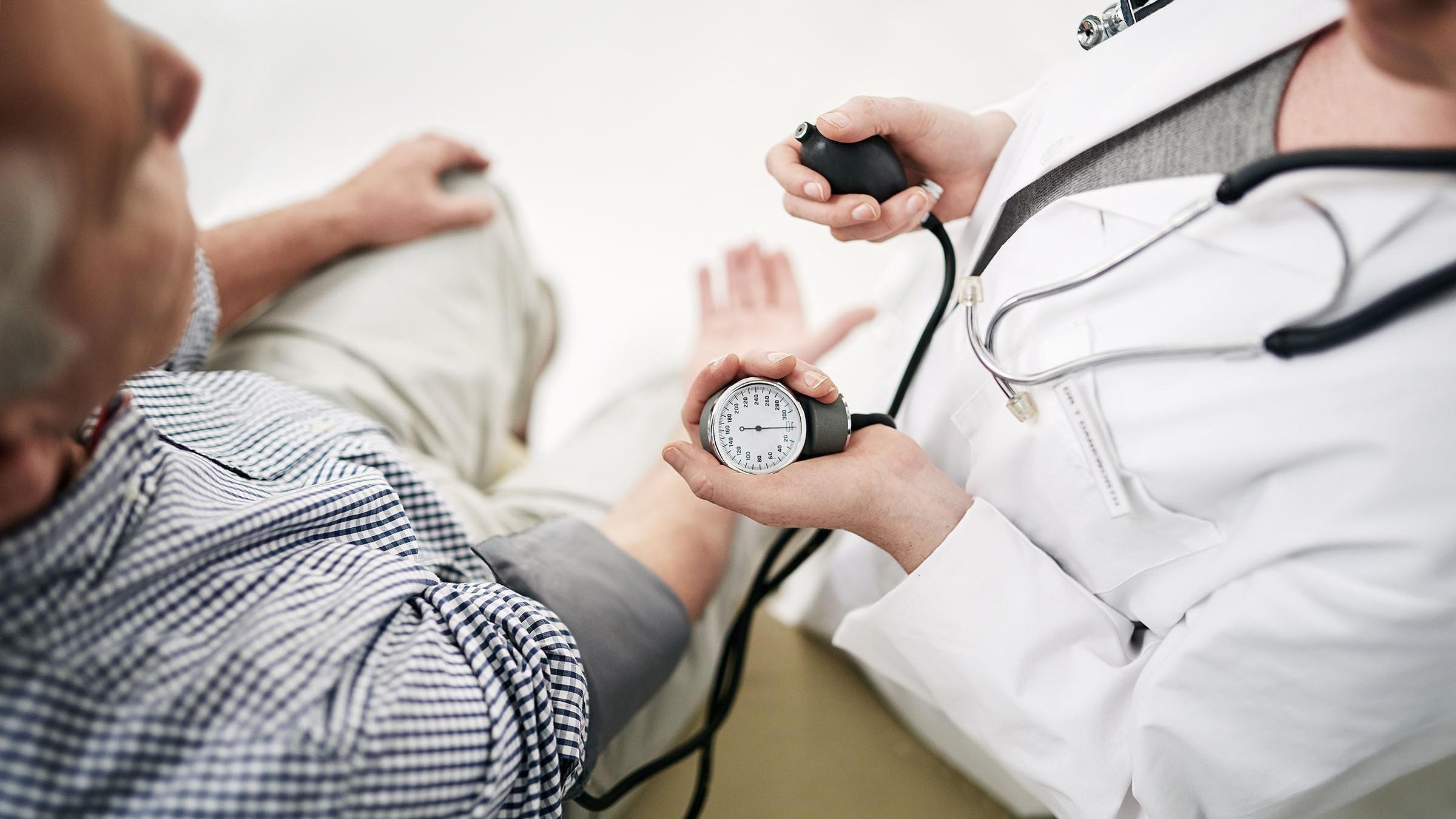 фактором риска гипертонической болезни является тест ...