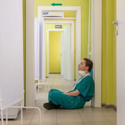 Рекордных 8 752 больных COVID-19 зарегистрировали в Украине за сутки
