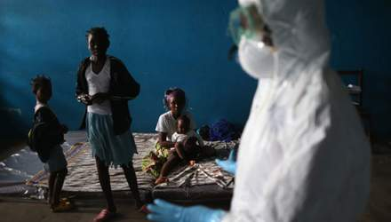 Вірус Ебола забрав життя майже п'яти тисяч осіб
