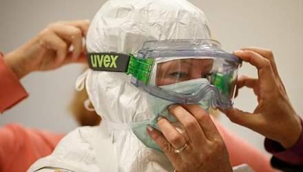 Кількість загиблих від вірусу Еболи вже перевищила 7 тисяч осіб