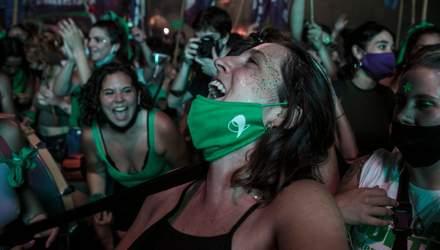 Аргентина окончательно легализовала аборты