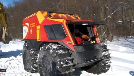 У пологовий – на всюдиході: на Львівщині рятувальники допомогли породіллі – відео