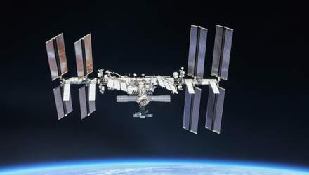 За бортом МКС розмістять коробку з таблетками: для чого це вченим