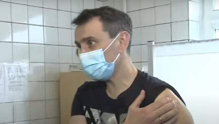 Виктор Ляшко привился против коронавируса вакциной Covishield