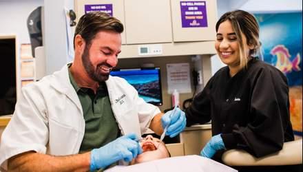 Як двоє друзів дитинства створили стоматологічний бізнес, вартий мільйонів доларів