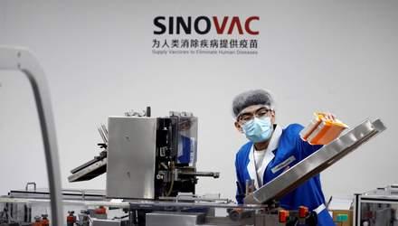 Постачальника китайської вакцини оштрафують через затримку препарату