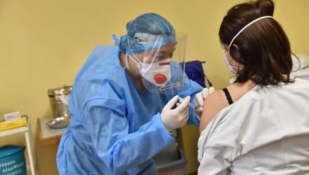 Ученые из США заявили, что одной дозы Pfizer и Moderna недостаточно для защиты от коронавируса