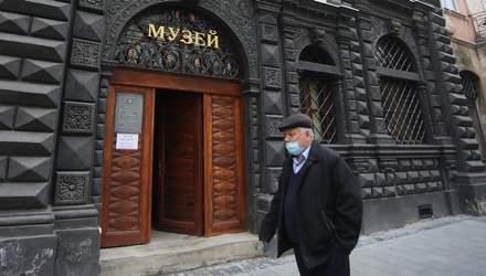 Киев идет на строгий локдаун: почему самое время созвать СНБО