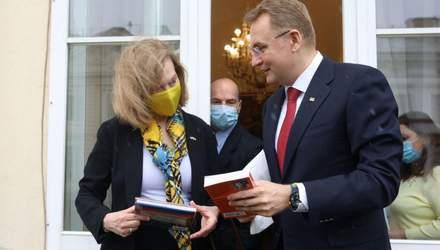 Садовый попросил США помочь организовать территориальную оборону Львова