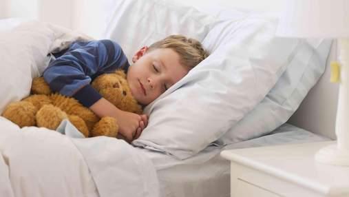 Комаровський розповів, коли потрібно укладати дітей спати