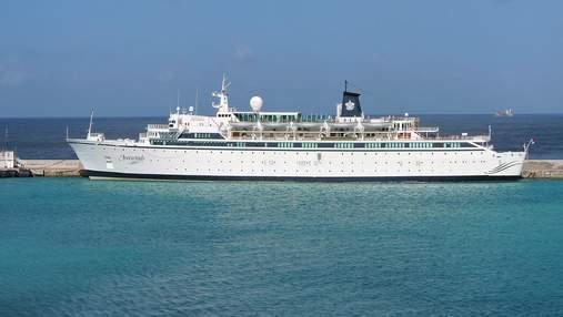 На Карибах корабль закрыли на карантин из-за кори на борту