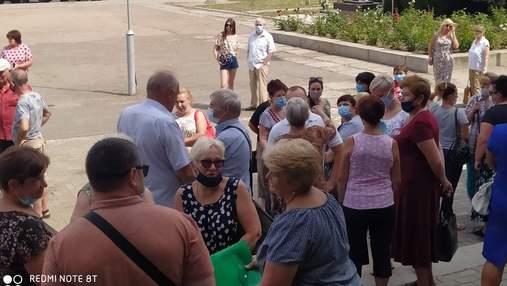 3 місяці без грошей: медики у Смілі протестують через невиплату зарплат