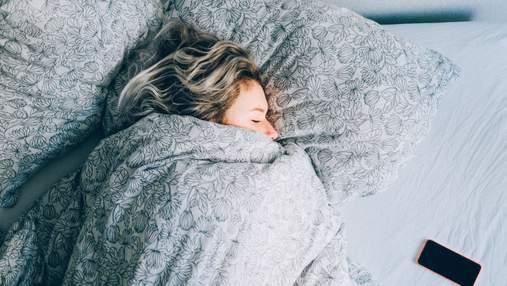 Тяжелые одеяла помогают улучшить сон и борются с расстройствами депрессии