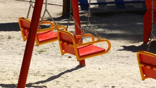 Сотрясение мозга и перелом: воспитатели детсада в Одессе проигнорировали ранение ребенка