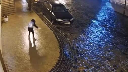 Ожеледиця у Києві: за вихідні постраждало понад 1300 людей