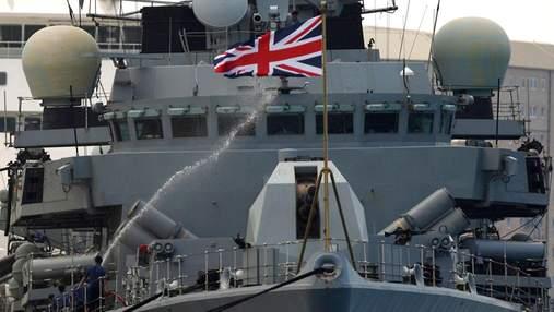В Великобритании лейтенант ВМФ снимала порно на военной базе: фото 18+