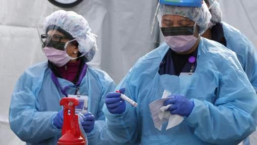 Українські медики назвали новий симптом коронавірусу