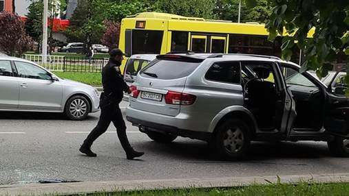 Знепритомнів на світлофорі: у Львові водій помер за кермом свого авто – фото і відео