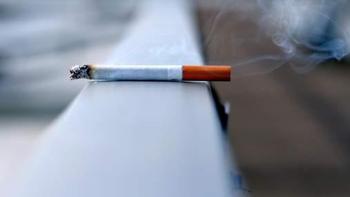 Жовті зуби, зморшки і випадіння волосся: чому варто припиняти курити