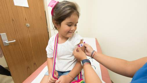 Чи вакцинуватимуть проти коронавірусу дітей в Україні: відповідь Ляшка