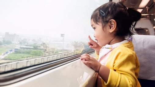 Як навчити дитину правил поведінки в громадському транспорті: практичні поради