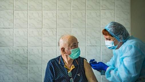 Количество вакцинированных за сутки в Украине перевалило за 101 тысячу