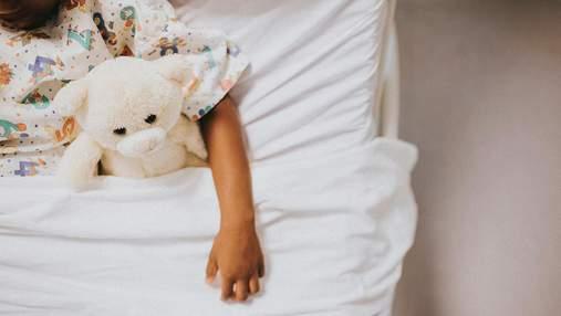Ніж впав на голову: у Дніпрі врятували 5-річного зі страшною травмою