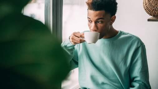 Почему чашка кофе иногда делает нас более сонными