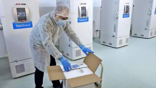 Україна отримала морозильники для вакцини Pfizer: чому саме зараз