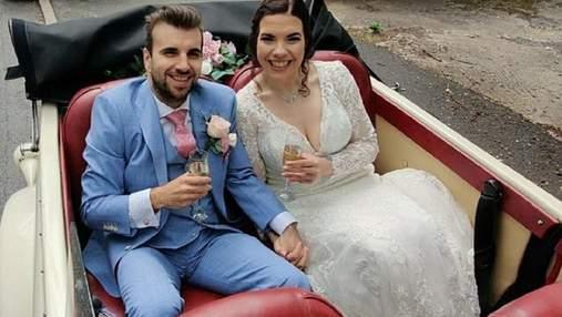 Откладывали свадьбу из-за веса: пара сбросила на двоих 133 килограмма и поженилась