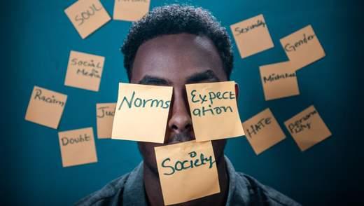 Критика и критиканство: где пролегает граница между насмешкой и здравым смыслом